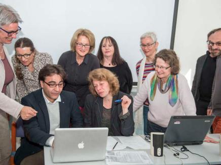 Workshops für Flüchtlingshelfer inDeutschland